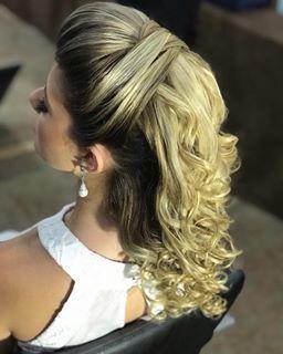 "image by Sonia Lopes (@penteadossonialopes) with caption : ""Técnica 2018  #PenteadosSoniaLopes ✨ . . . #sonialopes #cabelo #penteado #noiva #noivas #casamento #hair #hairstyle #w"" - 1690061009988142947"