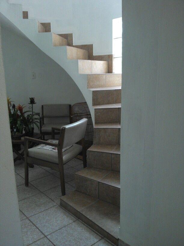 Las 25 mejores ideas sobre escaleras para segundo piso en - Escaleras para perros pequenos ...