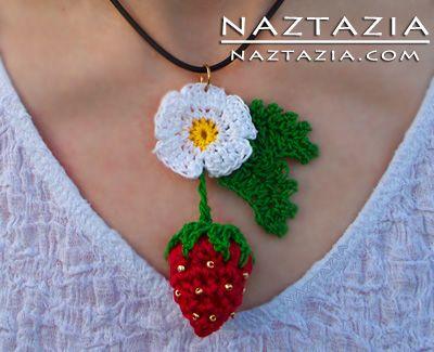 Free Pattern - Crochet Strawberry Pendant Necklace