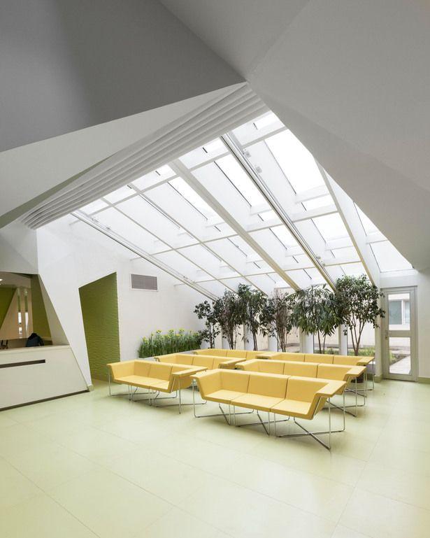 PARS HOSPITAL | New Wave Architecture (Lida Almassian / Shahin Heidari); Photo: Parham Taghioff | Archinect