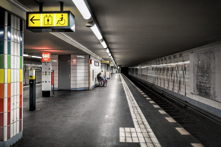Berlin's U6 line in photos, all stations