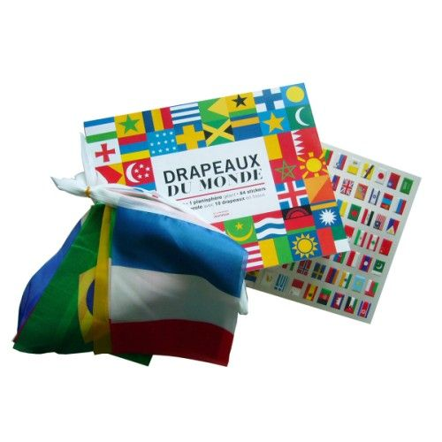 Savez-vous que les drapeaux des états ont chacun une histoire ? Leurs couleurs, leurs formes, leurs dessins n'ont pas été choisis au hasard. Emblème de l'unité d'un pays, un drapeau raconte souvent la longue histoire de son indépendance. Retrouvez dans ce coffret de quoi découvrir les drapeaux du monde entier : un livre sur les drapeaux du monde expliqués aux enfants, un planisphère géant à accrocher dans ta chambre, 84 petits stickers mousse à positionner dessus et une banderole de 10…