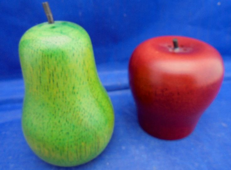 Wooden Apple Pear Salt Amp Pepper Shakers Red Green Salt