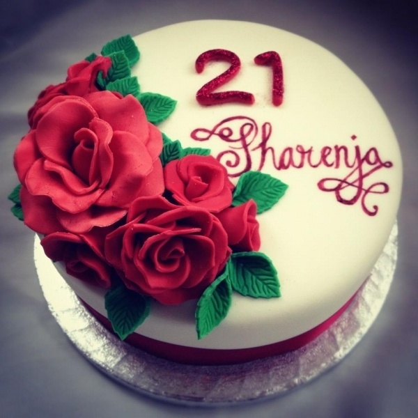 Birthday Cake Designs Roses : Red rose red velvet birthday cake Birthday Cake Ideas ...