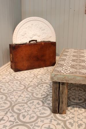 Utstilling av Ulfven fliser kan sees i interiørbutikken Draperiet på Høvik i Bærum. Love these tiles