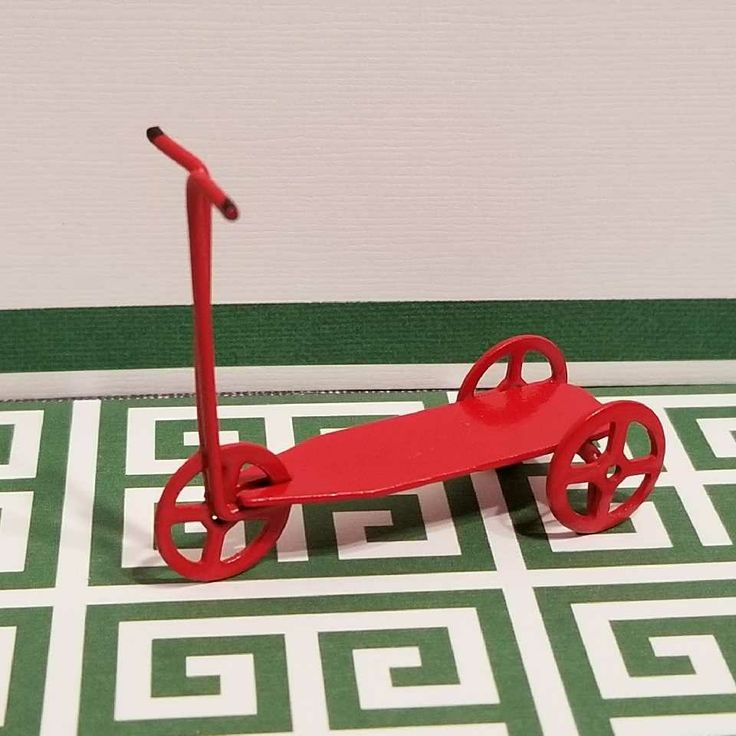 1:24 Miniature 1 3/4 Inch Metal Childrens Scooter
