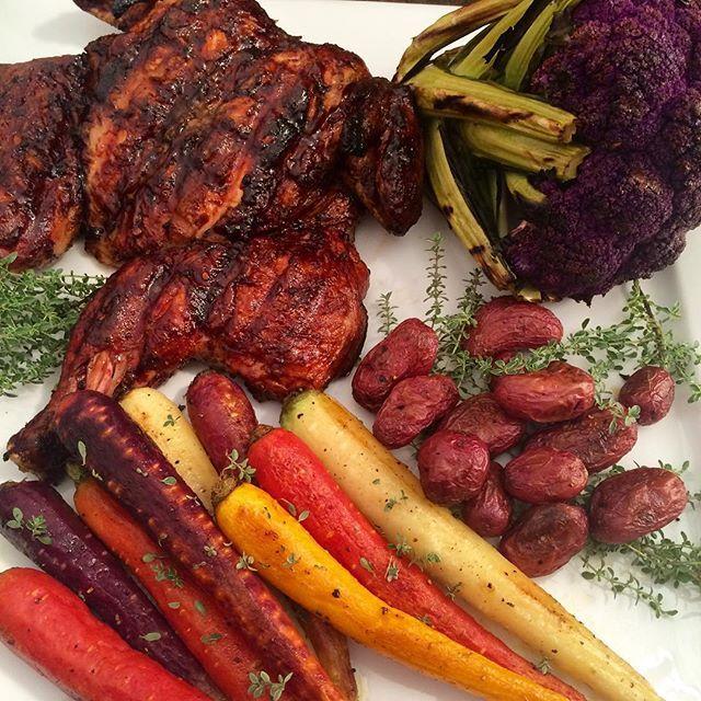 BBQ chicken, grilled cauliflower, heirloom carrots and mini potatoes. Have a great Saturday night! #ONnomnom #loveontfood #feastOn @zimmysnook