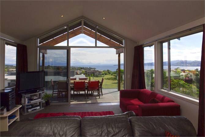 Magnolia - Taupo Panoramic Views