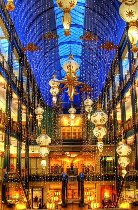 clusters of shops are located in the ids center minneapolis city center and gaviidae common - Christmas Lights Minneapolis