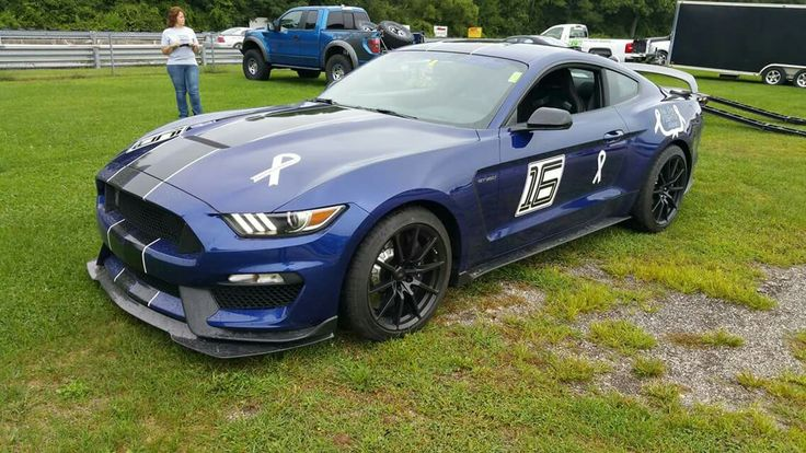 2017 Ford Mustang Shelby GT350 in Lightning Blue ready to race.