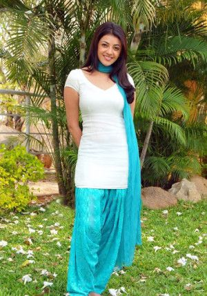 Kajal Agarwal in Salwar Cute Pictures-8 playing with fire and exposing her hot assets before camera!