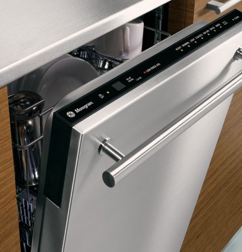 """This slim dishwasher from GE Monogram offers a precious extra 6"""" over standard dishwashers, at only 18"""" wide."""