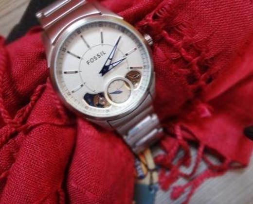 fossil R$550,50 relógio automático prata fossil masculino, original, com engrenagem aparente e ponteiros azuis. 11 anos de garantia.uau!