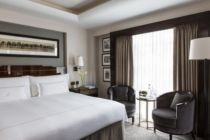Located in London in the region of Greater London, 600 m from Oxford Street, The Beaumont Hotel features a sauna and fitness center. Guests can enjoy the on-site restaurant.