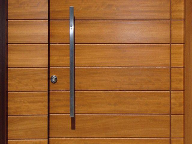 Puerta exterior-madera machihembrada