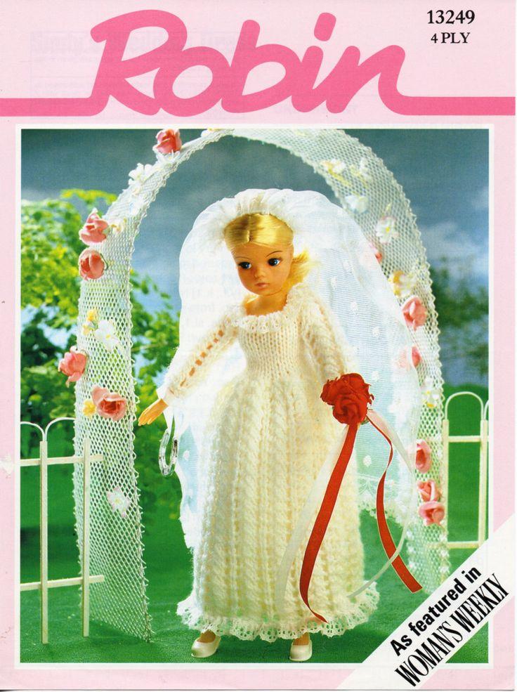 Knitting dolls wedding dress
