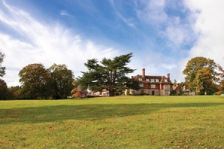 CHAMPNEYS Top to Toe Day for Two Take time out with an unforgettable spa day at one of Champneys luxurious health resorts across the UK. Visit Champneys Springs in the heart of the Leicestershire countryside, the award-winning Champn http://www.MightGet.com/february-2017-2/champneys-top-to-toe-day-for-two.asp