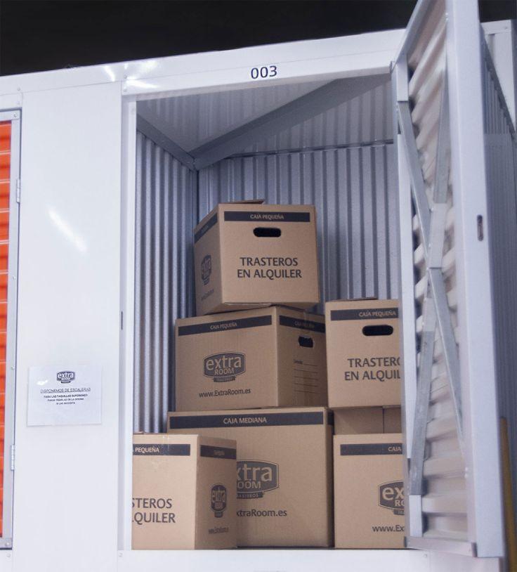 Disponemos de cajas de cartón para almacenar cómodamente tus cosas