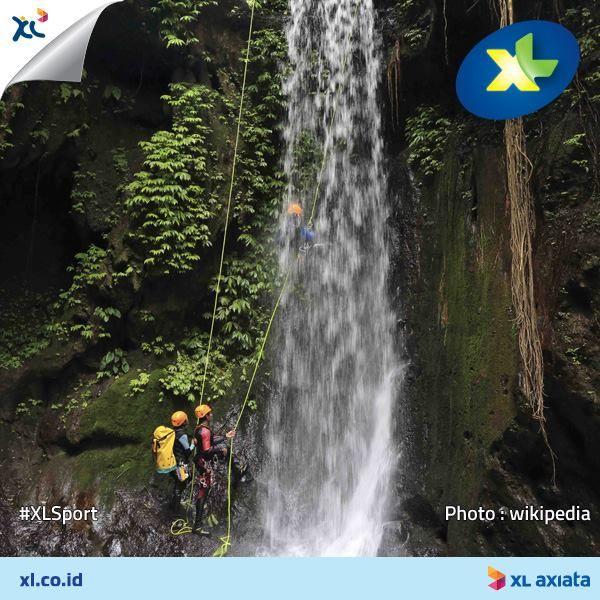 Kalau liburan ke Bali, cobain deh serunya aktivitas yang bisa memacu adrenalin kamu di sana! Misalnya canyoning menantang arus air terjun Gitgit, di daerah Singaraja. #LoveAdrenaline Nah, kamu sendiri pernah ikutan olahraga ekstreme apa di Bali? Yuk, share cerita serunya di comment! #XLSport