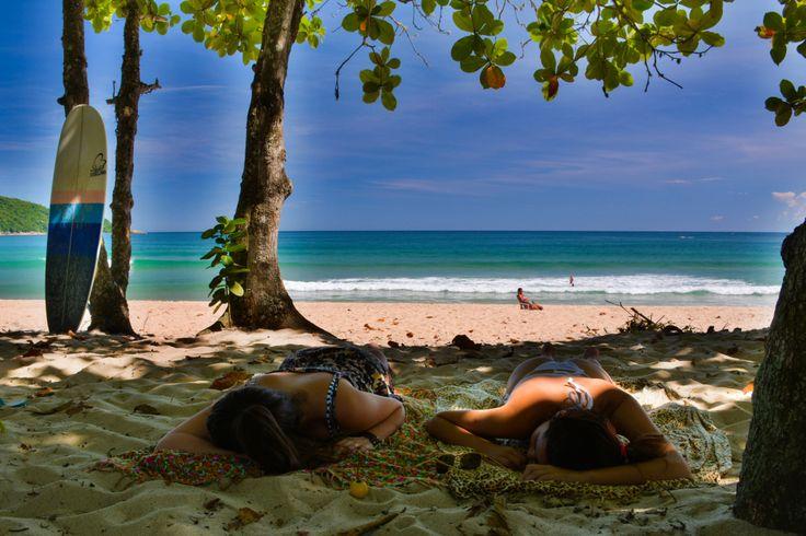 Sabe aquela imagem que vem a sua cabeça quando você pensa em uma praia paradisíaca? Aquela, capa de revista de viagem…  É exatamente disso que estou falando: uma extensa faixa de areia branca…