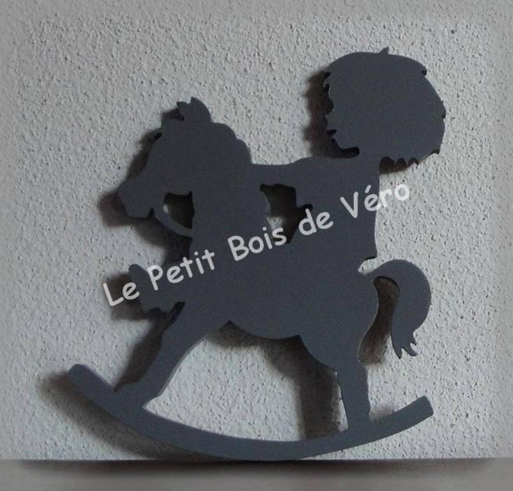 PRIX EN BAISSE - Silhouette petit garçon sur cheval à bacules décoration pour enfants (photo 1)