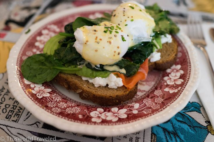 A healthy version of eggs benedict served with cottage cheese and smoked salmon at Gs Amsterdam