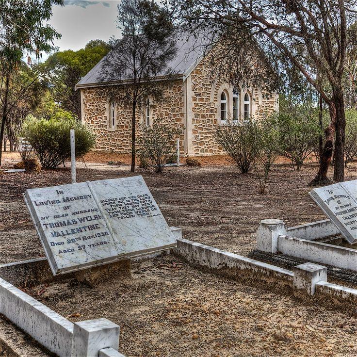 BA2741/66: Gravestone of Thomas Welsh Valentine in St. John in the Wilderness, Dale, 21/11/2010 http://purl.slwa.wa.gov.au/slwa_b4610845_1