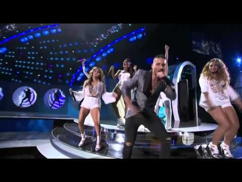 Fifth Harmony Live with Maluma