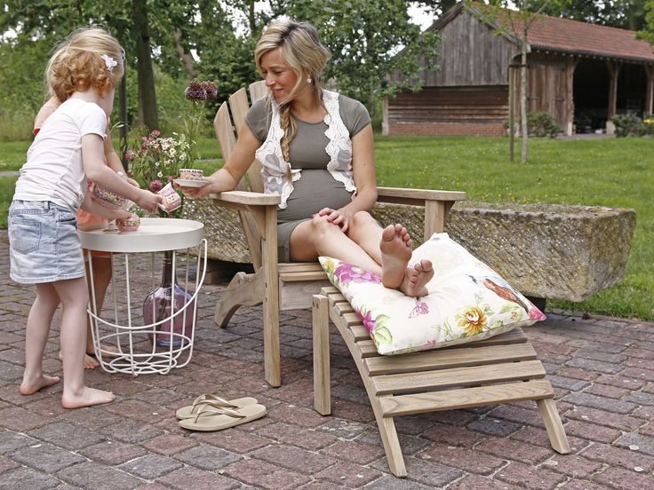 Bearchair van teakhout met brede latten en voetenbank