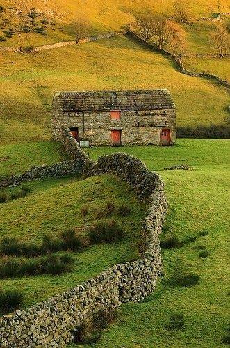 New Wonderful Photos: Swaledale Barns, Yorkshire, UK