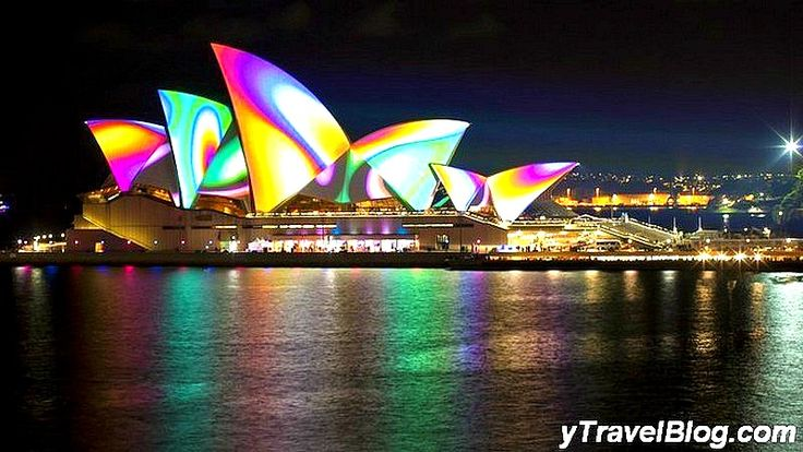 Vivid Light Festival - Free things to do in Sydney, Australia