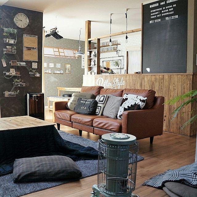 macaさんの、Lounge,クッション,DIY,カフェ風,こたつ,インダストリアル,こたつ布団,アラジンストーブ,男前,こたつ天板DIY,ブログよかったら見てみて下さい♩,IG⇨maca_homeについての部屋写真