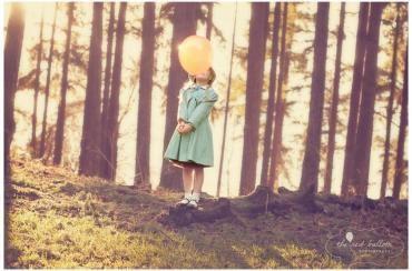 Yellow Balloon.