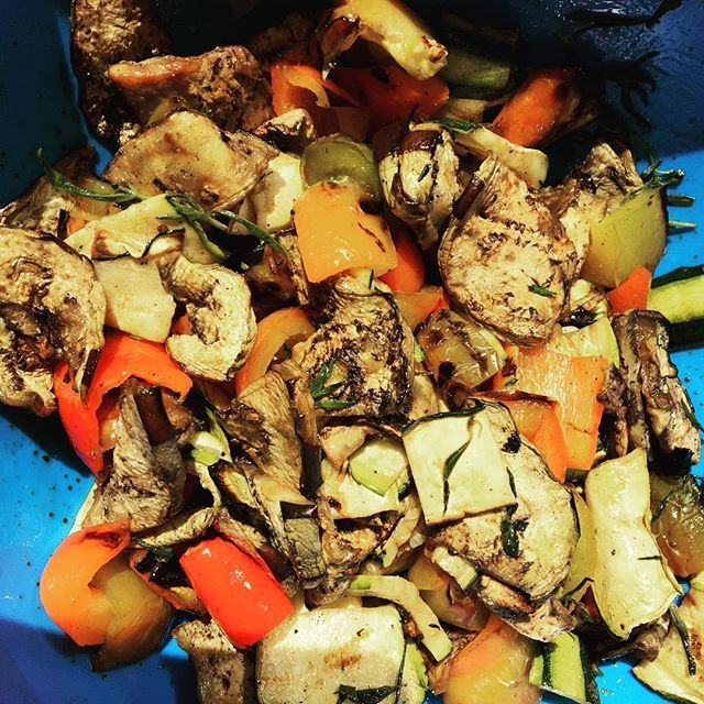 Love this yummy summer veggie dish! Roast veggies 🍆 on grill: peppers, sliced eggplant, sliced zucchini, etc. Cut in bite size pieces. Toss with fresh oregano, olive oil, balsamic, and s&p! #yum #fresh #summer #enjoy