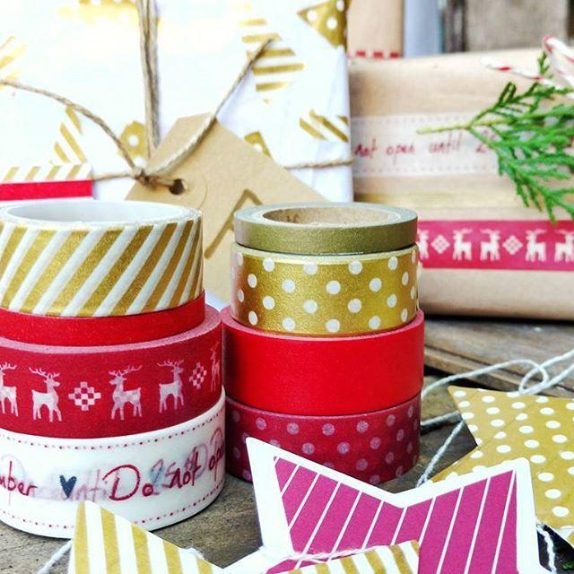 Ensayo navideño mode on. Envolviendo paquetes con #washis #casawashidiy #washitape