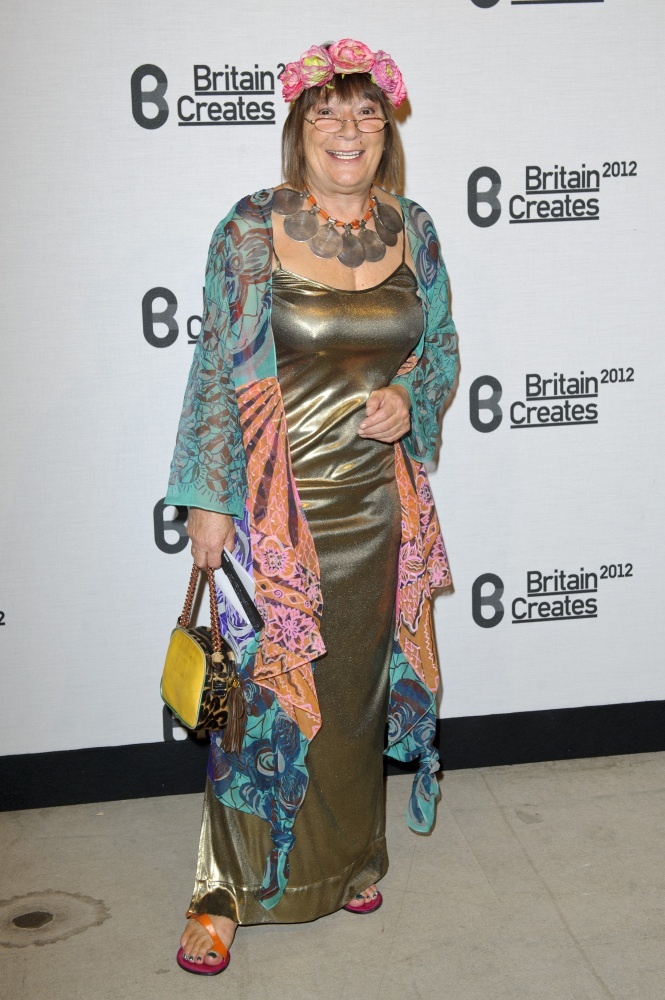 Sorry but age does not mean you can wear whatEVER you want!: Style, Dressed Celebs, Hilary Alexander, Fashion 9 1 1, Person Aliveee