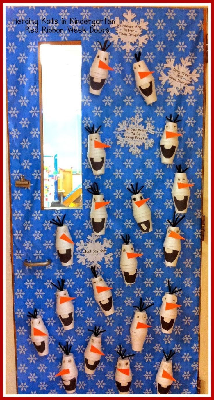 Super cute DisneY Frozen Olaf craft with paper cups! Super easy to do. Great kids activity for preschool or any Disney fan.
