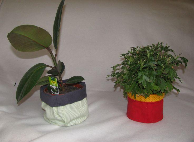 Blumentopf  Tipp: Folie einnähen, damit nicht alles nass wird, wenn ihr zu viel gießt...