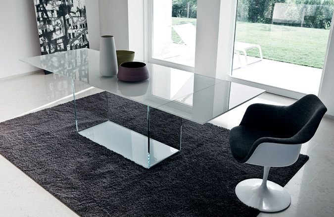 The transparency and pureness of glass in Valencia #table #glass #design