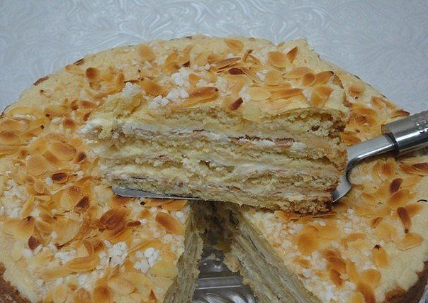 Divine cake   A sweet tooth's dream! Cakes! Cakes! Recipes!   Ingredients: ●Flour 500-550 g ●Sugar 200 g  ●Egg 2 PCs ●Honey 100 g ●Butter 100 g ●Soda 2 tsp ●Boiled condensed milk 400 g ●Butter 200 g  Preparation:  Beat eggs with sugar. Butter (100 g) mixed with honey. Melt. A... - Check more at http://recipesworthsharing.com/2015/11/24/divine-cake/