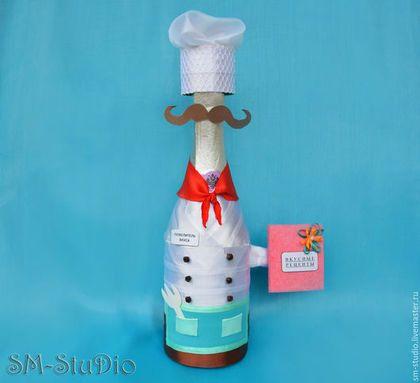 """Подарочное оформление бутылок ручной работы. Ярмарка Мастеров - ручная работа. Купить Чехол на бутылку """"Поваренок"""". Подарок повару (мужчине, женщине). Handmade."""