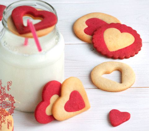 Valentine Cookie Decorating Ideas | No decorating required! These cute cookies don't require icing, it's ...