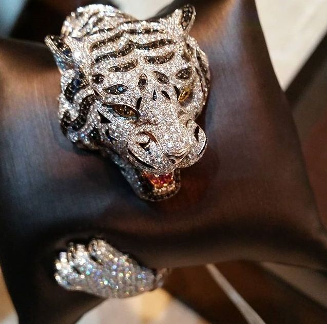 Amazing Siberian Tiger one-of-a-kind from Roberto Coin's Animalier Collection