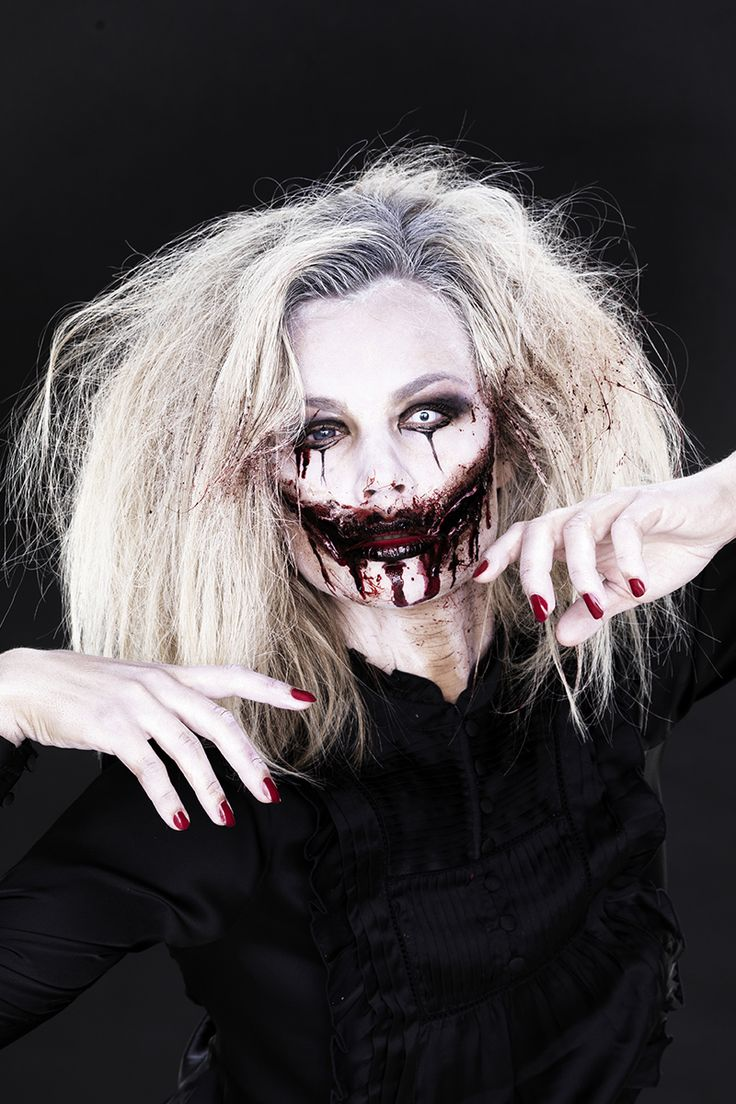 Scary face painting for Halloween www.pandurohobby.com #DIY #face #paint #dressup #facepaint #masquerade #scary