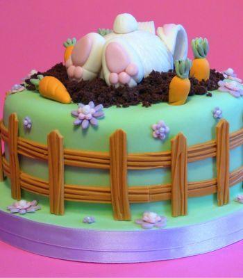torta con coniglietto scavatore
