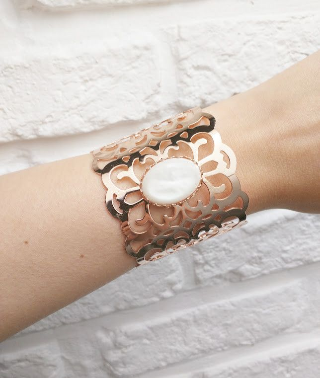Laurence Delvallez 'Spring Collection' - Karma Armband White