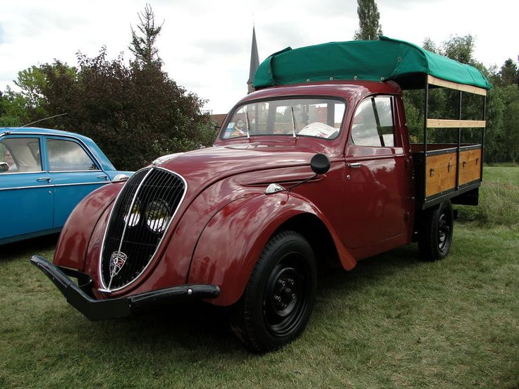 peugeot 202 uh camionnette de 1949 https www. Black Bedroom Furniture Sets. Home Design Ideas