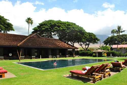 Love the grass around the pool.  Maybe that fake grass patio.: Hawaii Beaches,  Thatched Roof, Tips Junkie, Save, Hawaii Travel Tips, Hawaii Trips, Hawaii Vacations, Hawaii Condos, Hawaii Hawaii