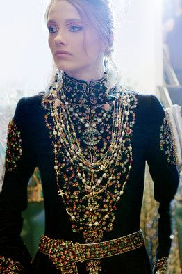the old-world artistry behind the modern house of chanel: Coco Chanel, Chanel Couture, Fashion, Clothing Designs, Black Gold, Chanel Jewels, Chanel Black, Couture Chanel, Modern House