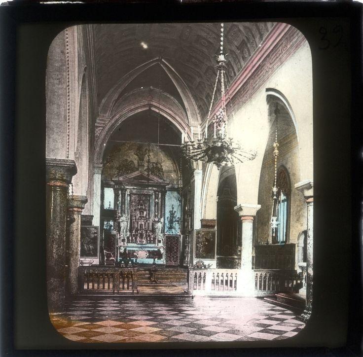 Per festeggiare l'anno della luce ( quale luce migliore se non quella della Lanterna Magica) abbiamo deciso di ripetere più volte la conferenza dedicata a Venezia! INOLTRE ABBIAMO DECISO, VISTO IL SUCCESSO DELL'INIZIATIVA, DI ELIMINARE LA PRENOTAZIONE E DI RIDURRE IL PREZZO DEL BIGLIETTO A 5€!  Vetro per Lanterna Magica ( interno della Basilica di San Marco)